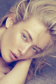 Rosanne Swart