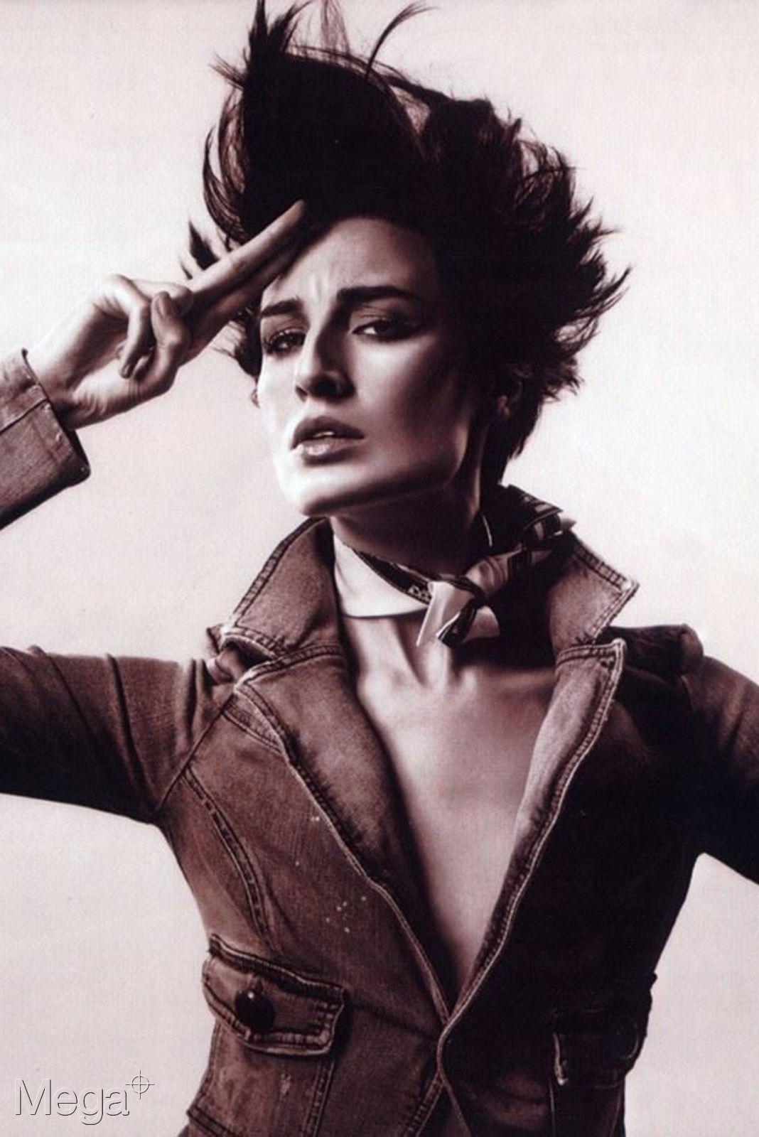 Erin o Connor - Mega Model Agency
