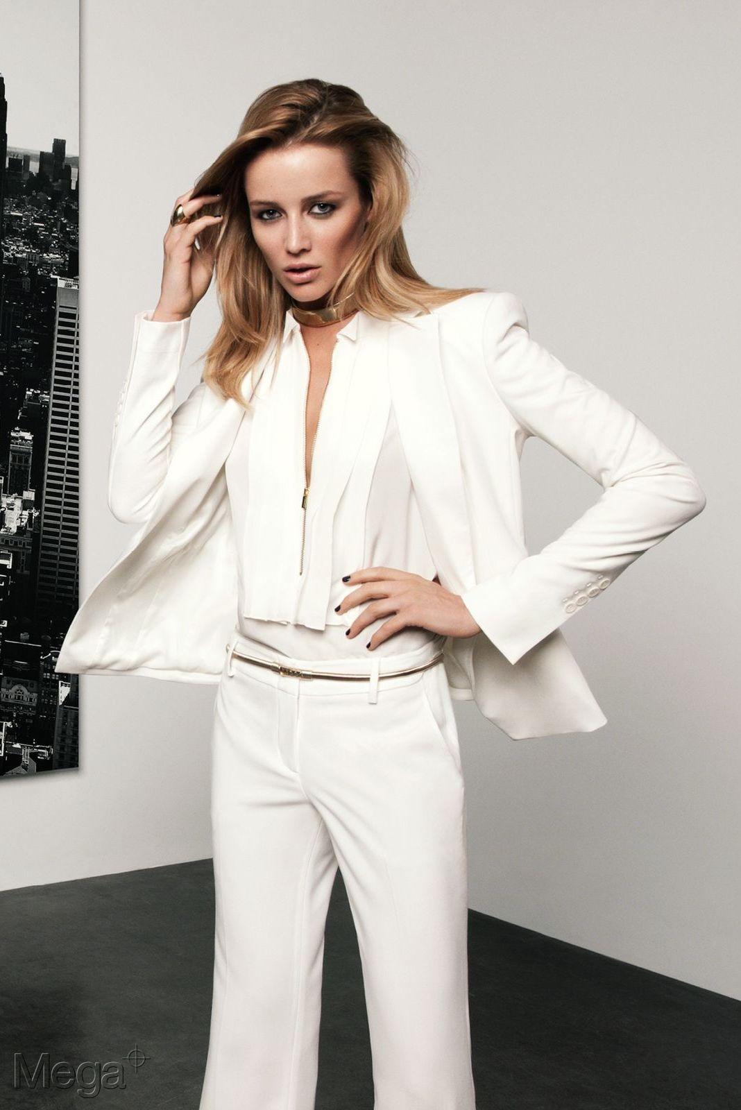 Sarah Dumont Mega Model Agency