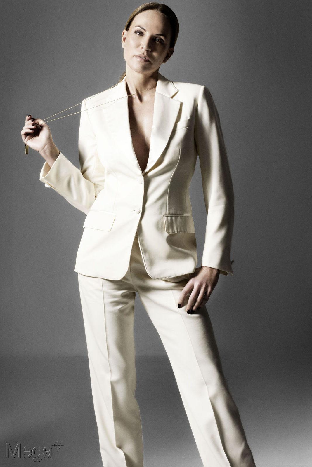 Rosalie van Breemen - Mega Model Agency