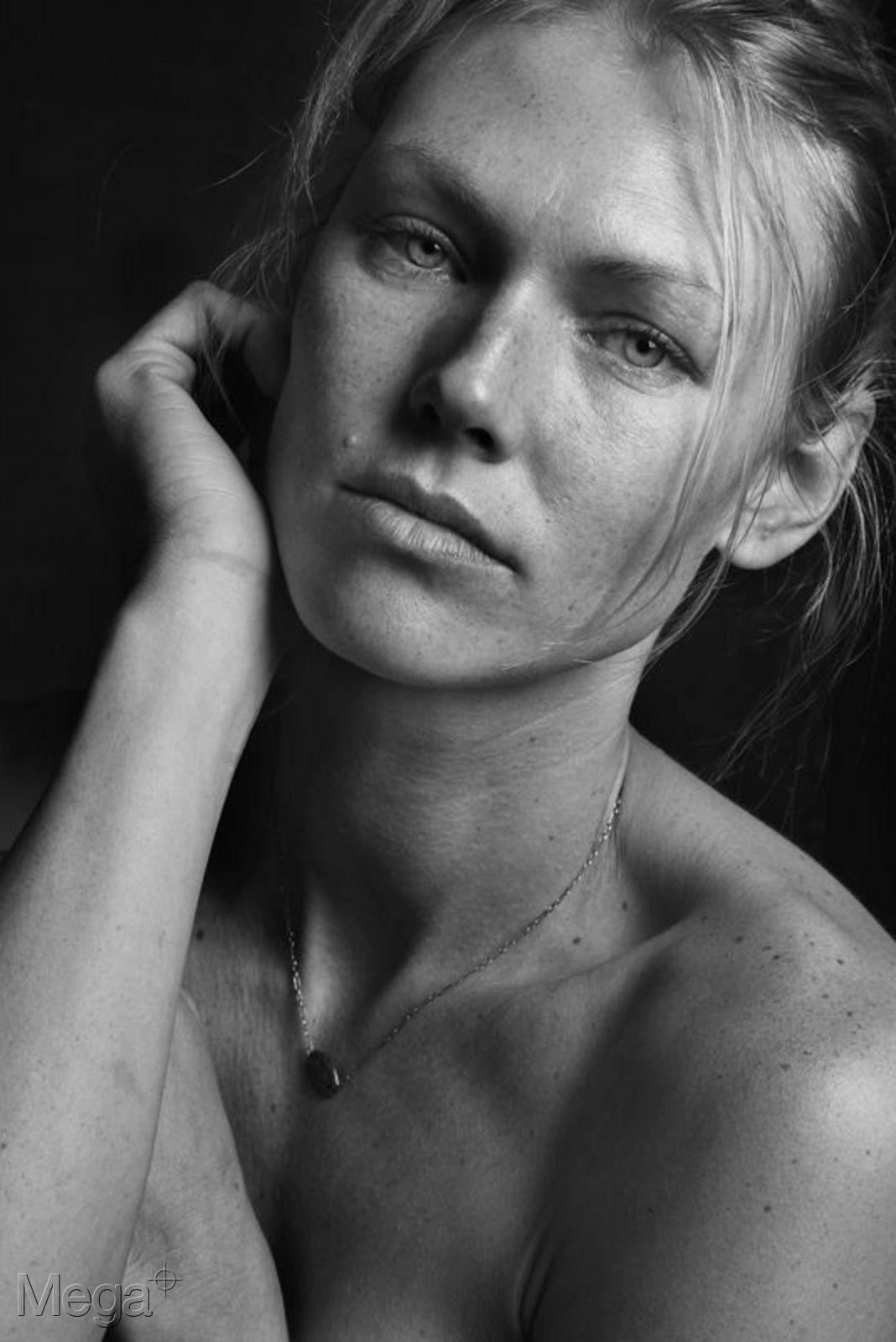 Shirley Mallmann - Mega Model Agency