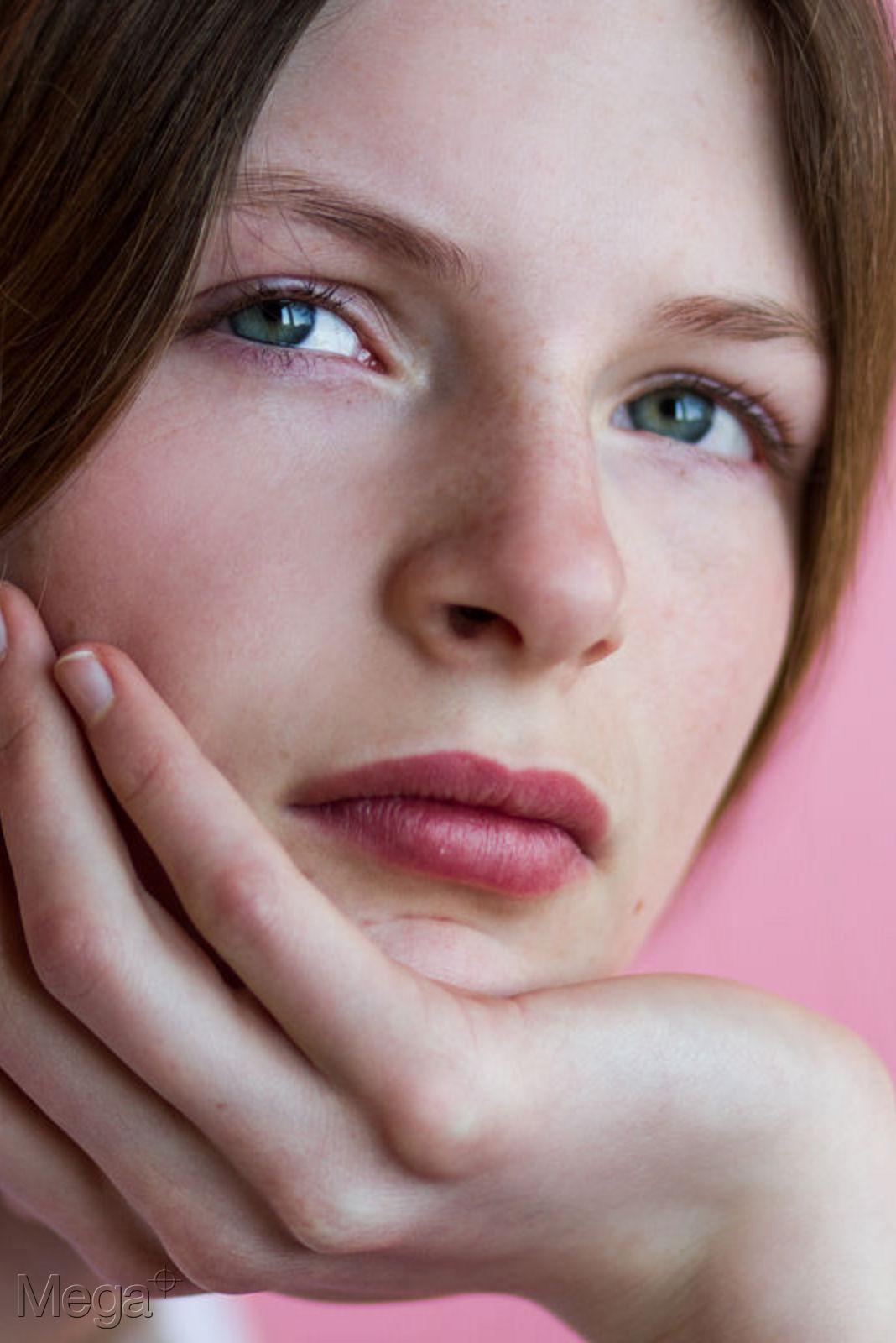 Contact US >> Jennifer Klar - Mega Model Agency