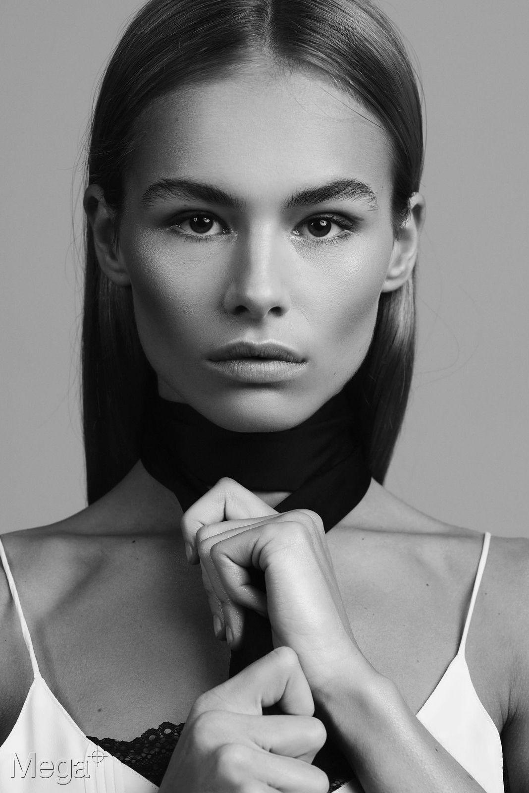 Annekee Molenaar - Mega Model Agency