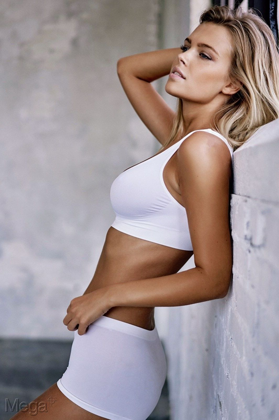 Kim Dammer Mega Model Agency